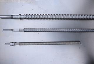 Винт подъема-опускания пильной рамки к ленточным пилорамам